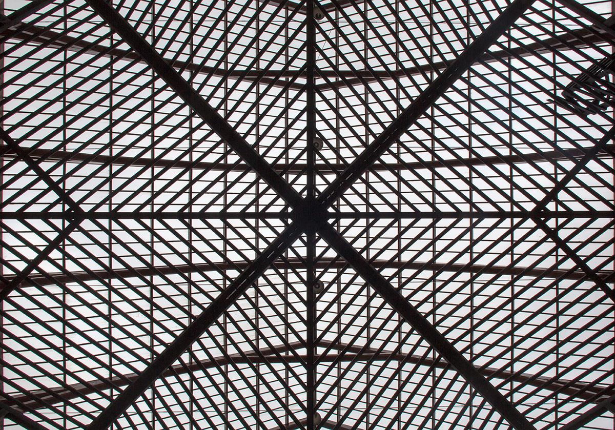 La construction de Georges Rousse dans la cour du pavillon central.