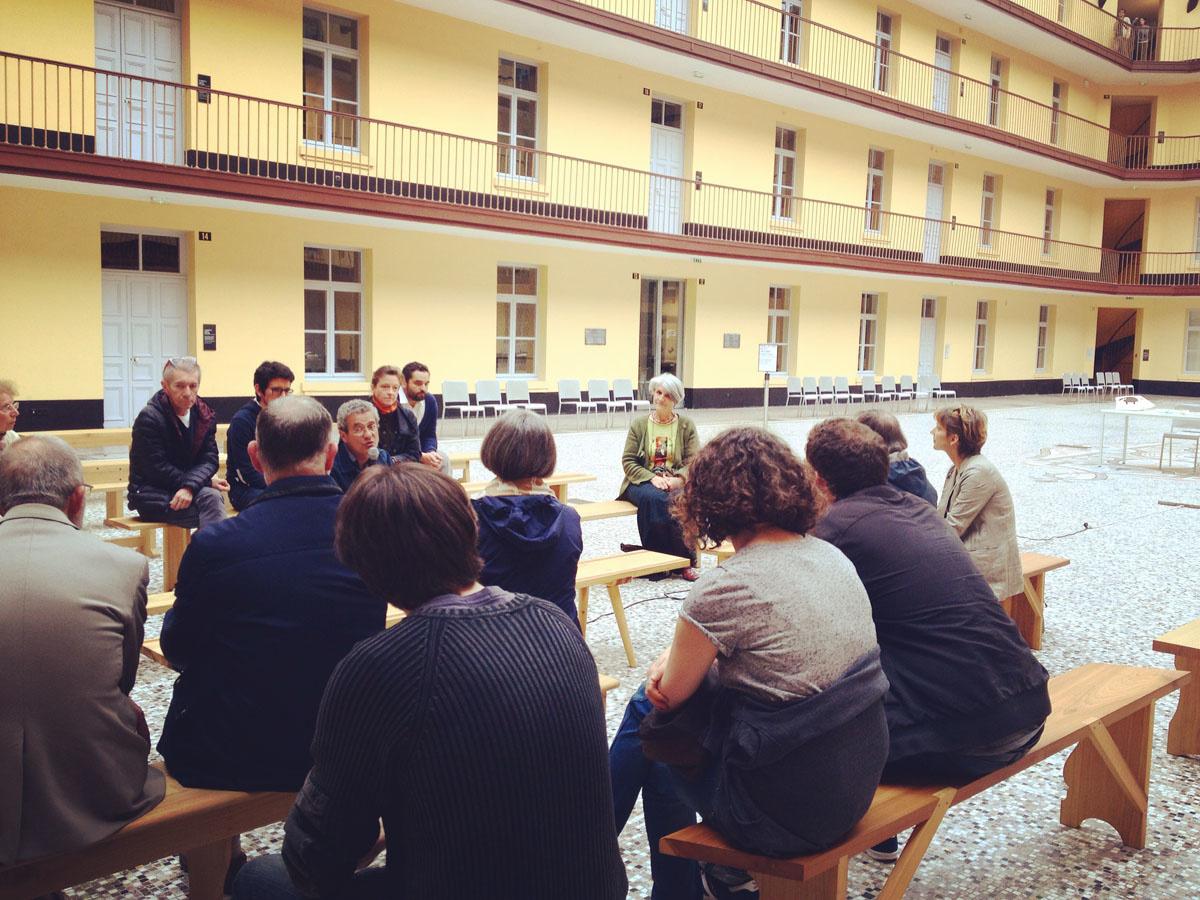 Une conversation sur les bancs avec Béatrice Barras, co-fondatrice d'Ardelaine,
