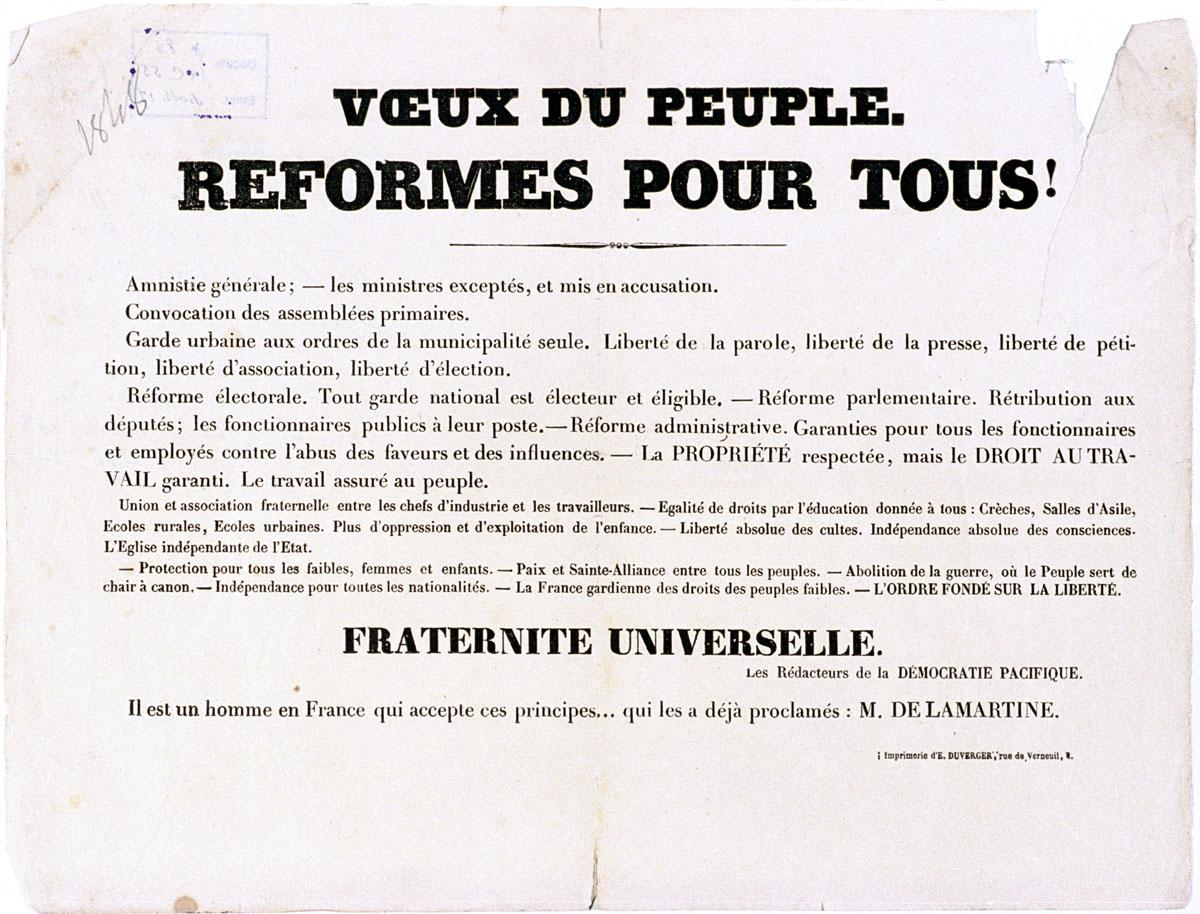 L'affichette revendique des réformes et proclame une fraternité universelle.
