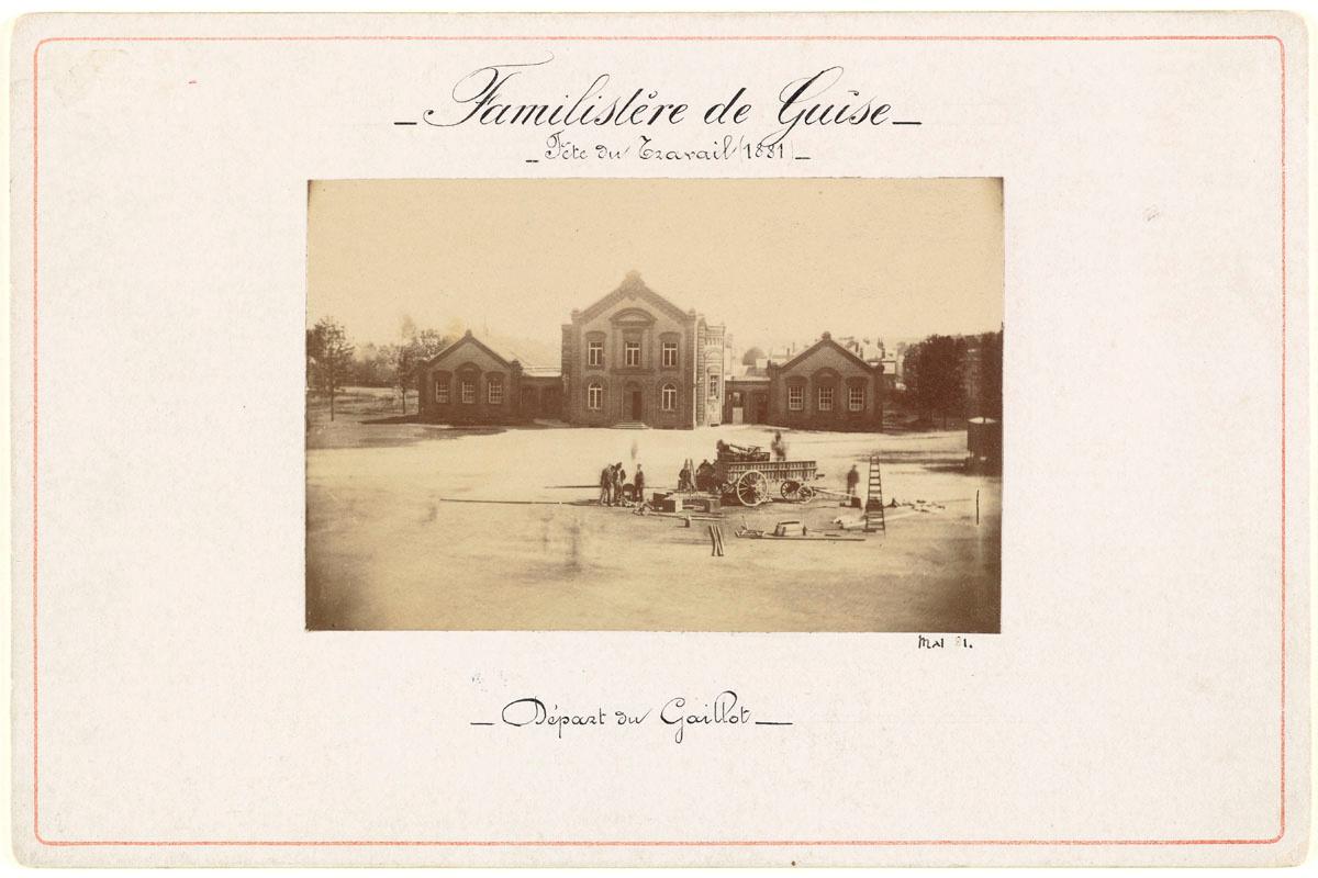 Vue de la photographie montée sur son carton d'origine.