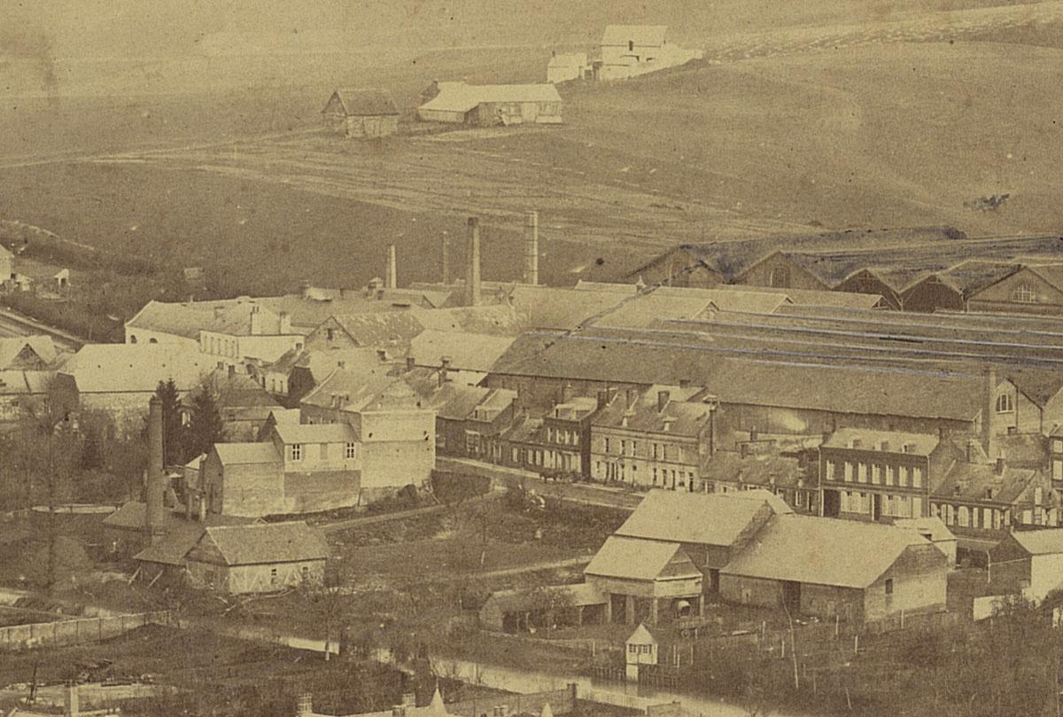 Détail du panorama du Familistère montrant l'usine.