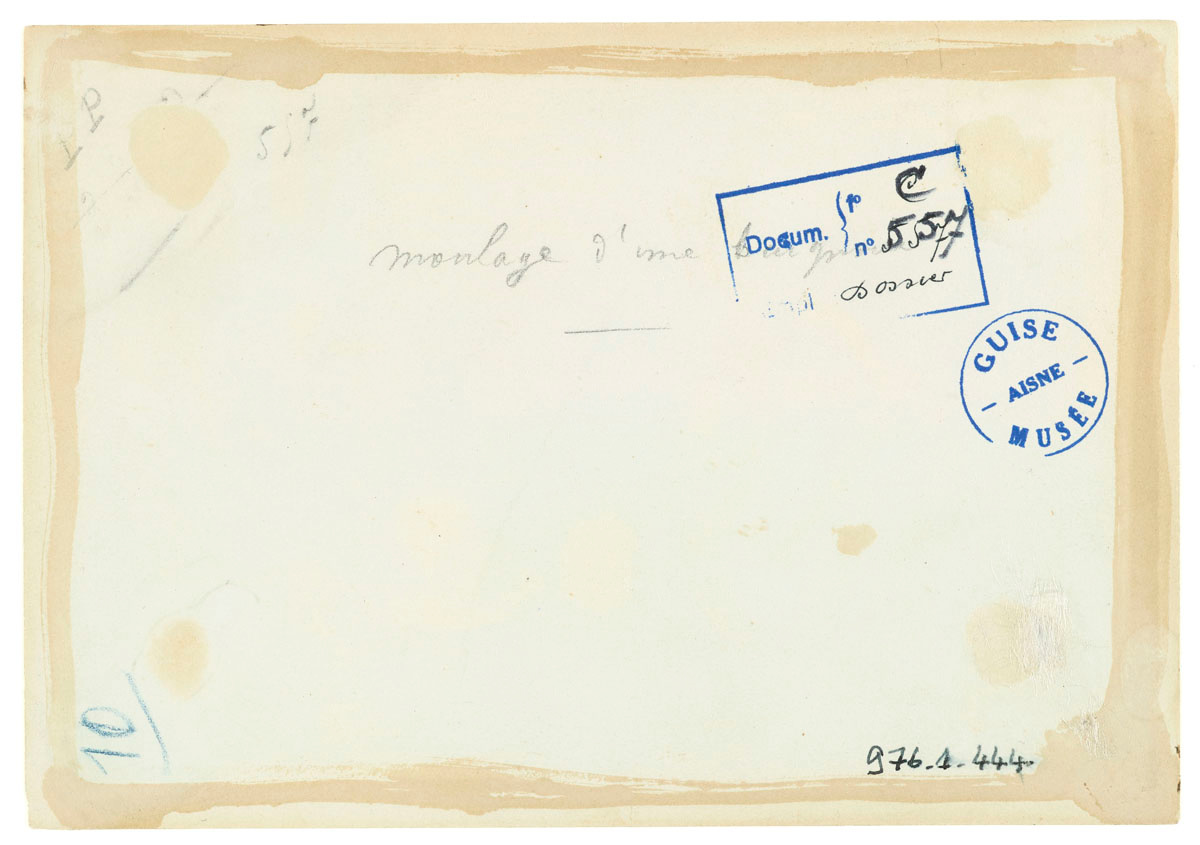 Verso de la photographie du moulage d'une baignoire dans l'usine du Familistère.
