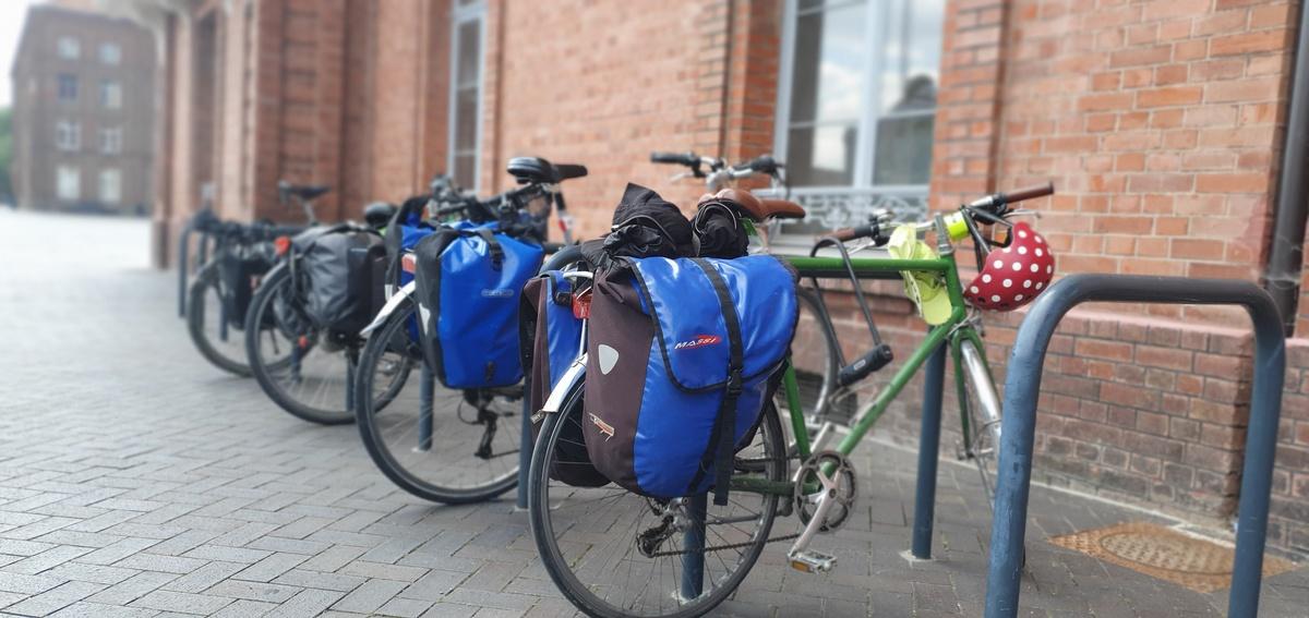 Vue de vélos garés