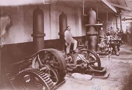 Machines d'alimentation du moulage mécanique de l'usine Godin de Guise (image)