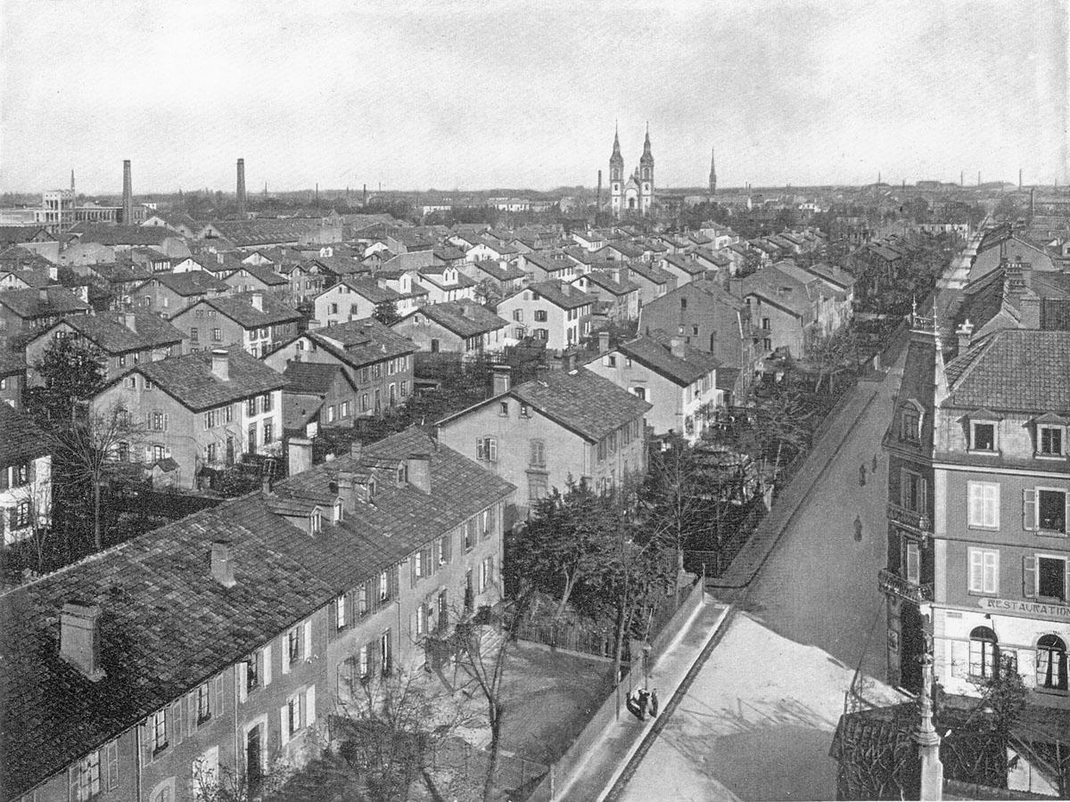 La photographie montre une partie des cités ouvrières de Mulhouse.
