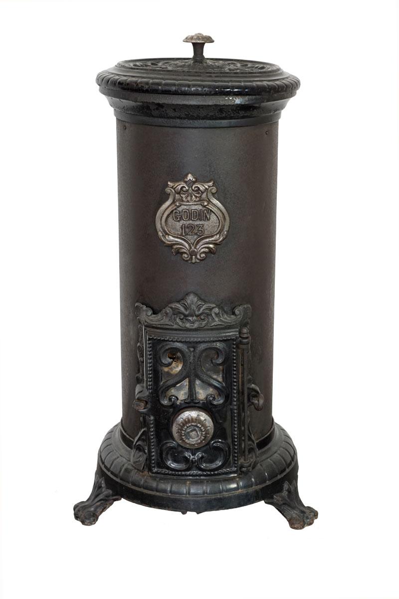 La photographie montre un « Petit Godin », le plus célèbre appareil produit par