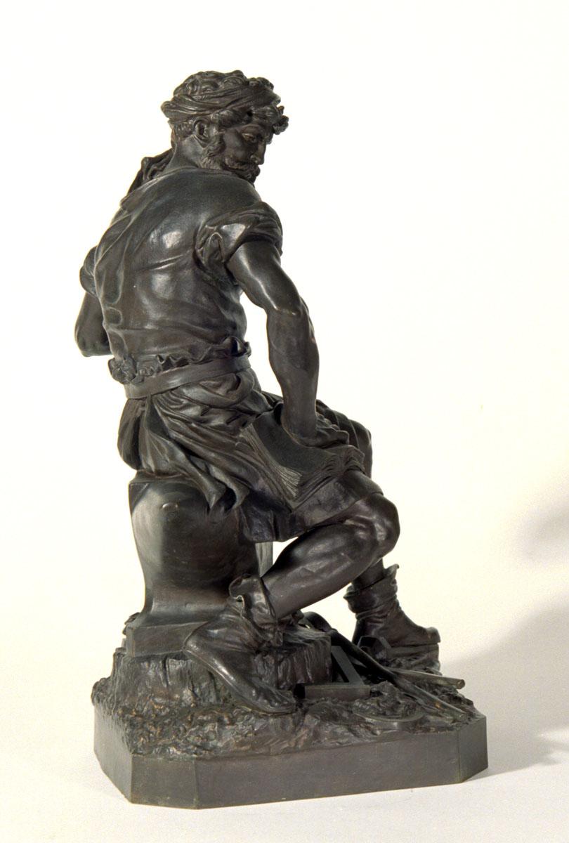 Vue de côté de la statuette du Travail par Charles-Auguste Lebourg.