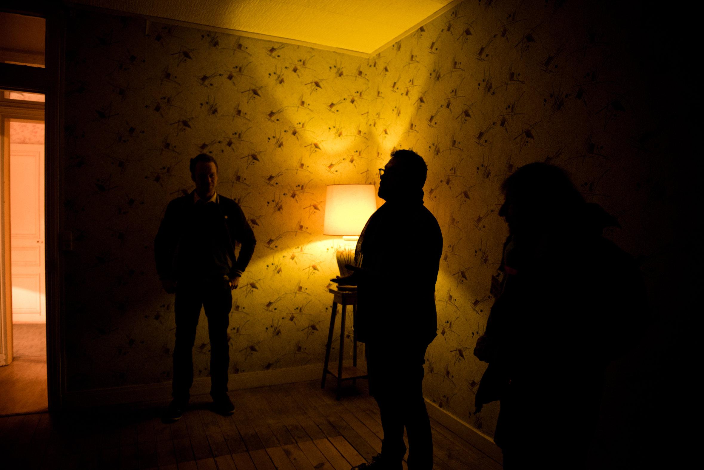Visite de la chambre de pollinisation, située dans un appartement inoccupé de l'