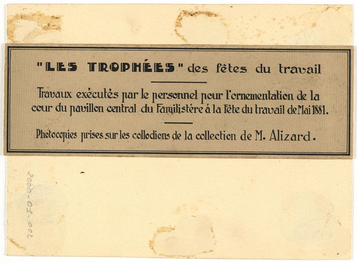 Verso du carton de montage de la photographie du trophée de l'atelier de fonderi