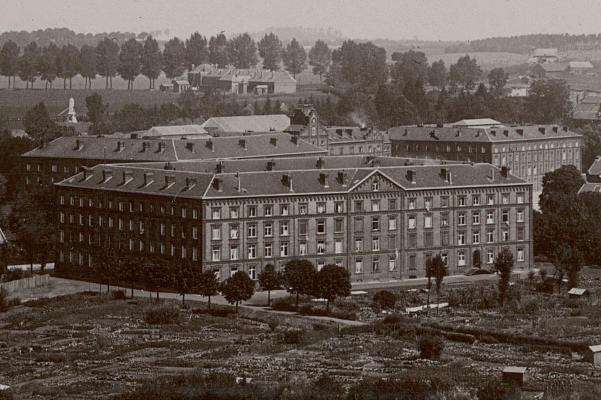 Détail du panorama du Familistère montrant le Palais social.