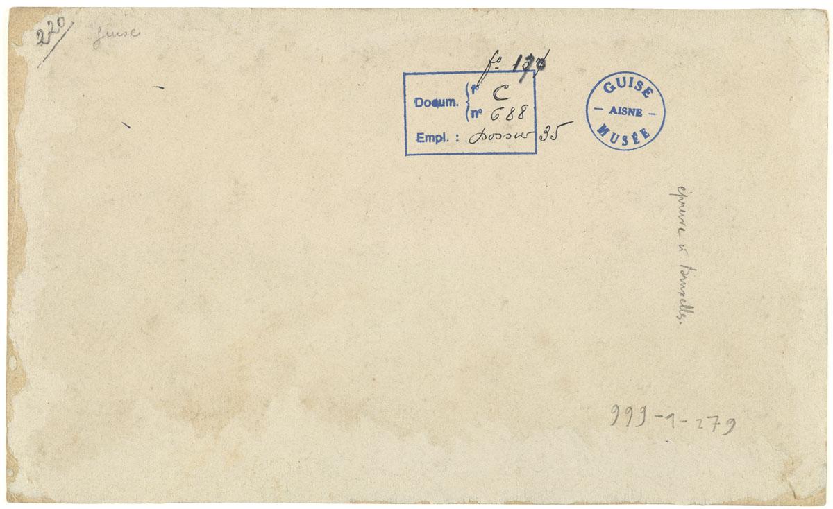 Verso du portrait collectif du personnel de l'usine du Familistère de Laeken.