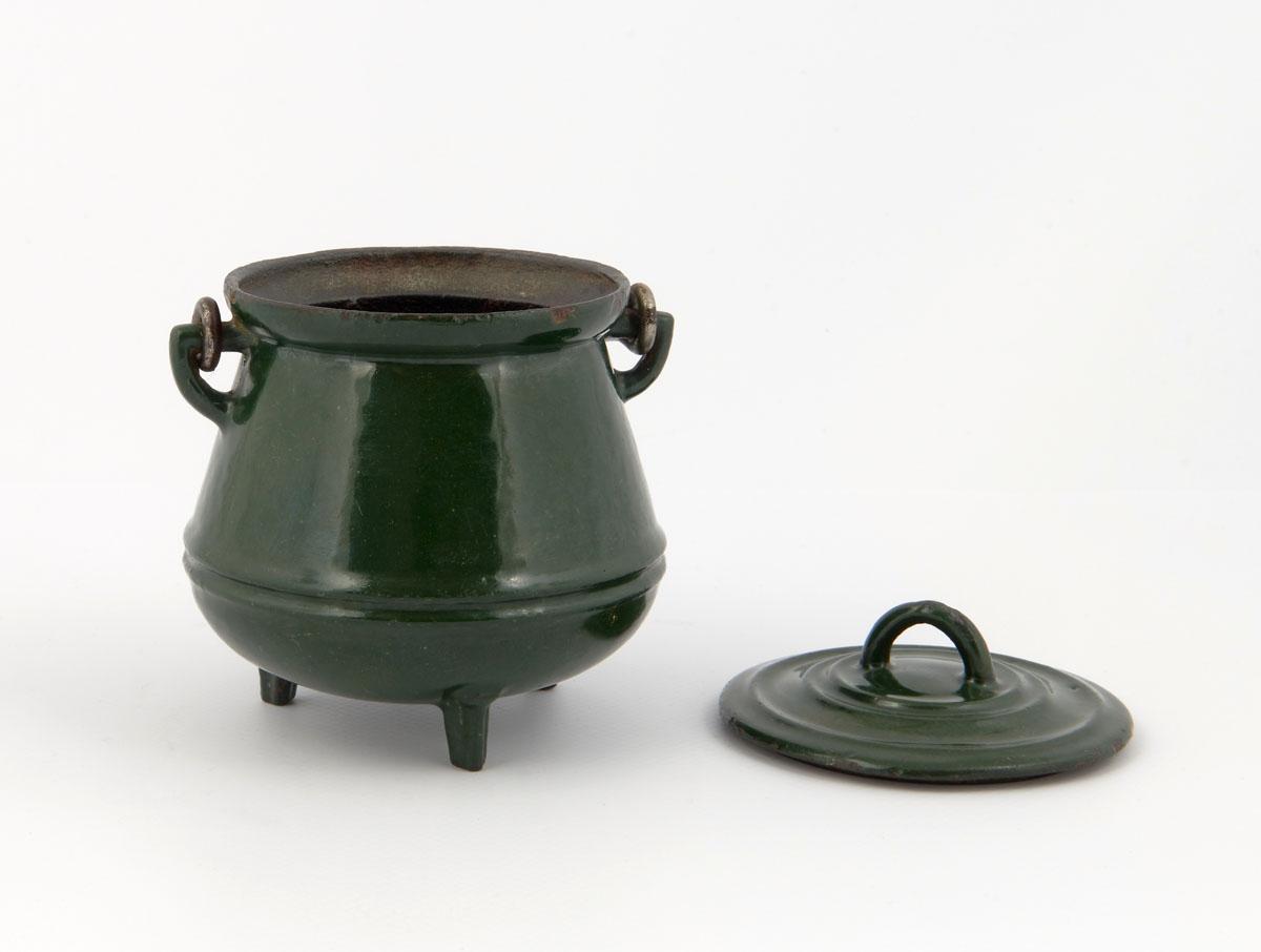 Vue du pot de Hainaut jouet, couvercle enlevé