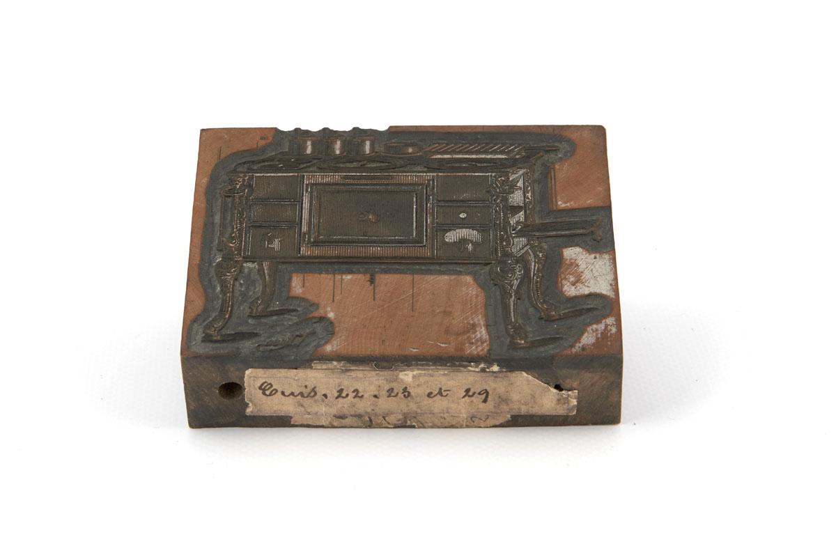 Vue du bois gravé représentant la cuisinière n° 22 unie.